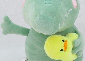 عروسک تمساح جوجه به دست ۲۰ سانتی متر (۲)